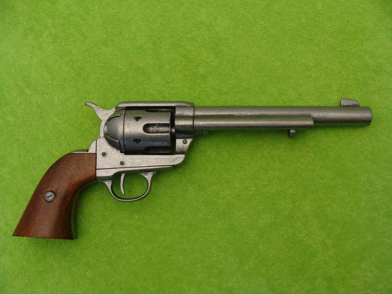 Colt R 225 že 45 Model 1873 Legend 225 Rn 237 Zbraně